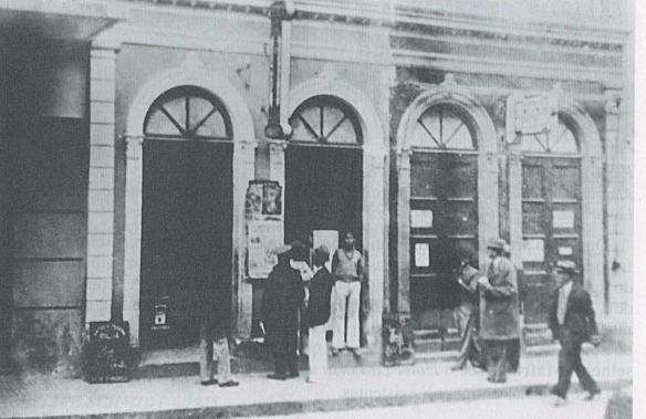 Banca do seo Arthur Beck.  Foto cedida pelo jornalista  Henrique Ungaretti.
