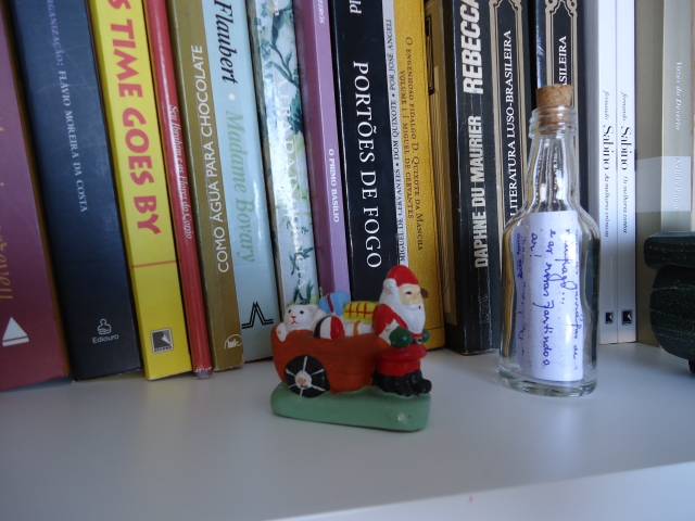 Papai Noel e Garrafa de Náufrago.